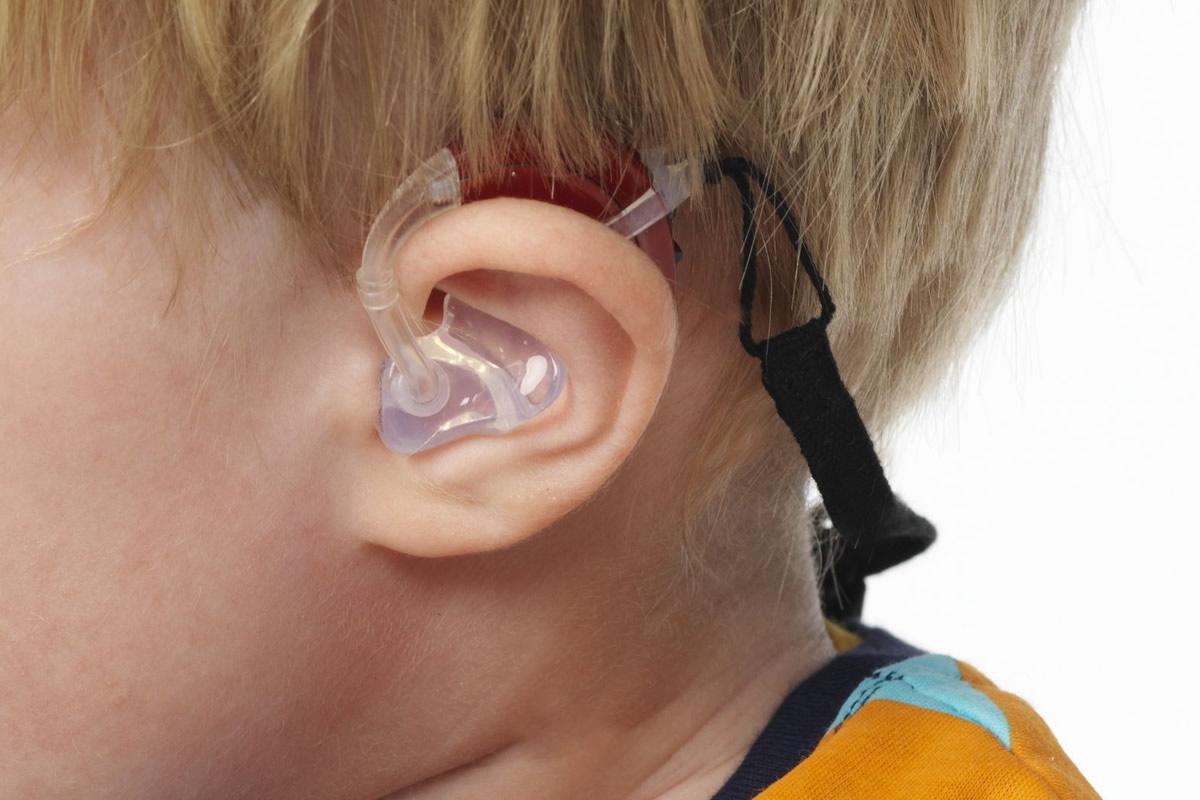 Kłopoty ze słuchem u dzieci, poradnik dla rodziców